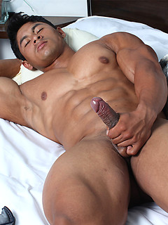 tantra xxx gay musculoso
