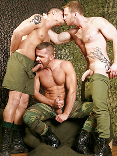 Military Gay Muscle Porn Pics @ 3X Muscles
